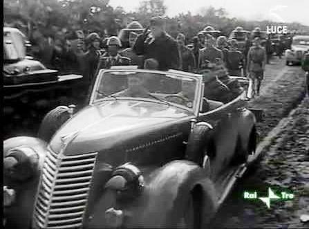 ..in rassegna truppe Re Vittorio col suo FIAT 2800...(fonte Ist Luce )